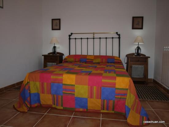 Borda amarilla-dormitorio